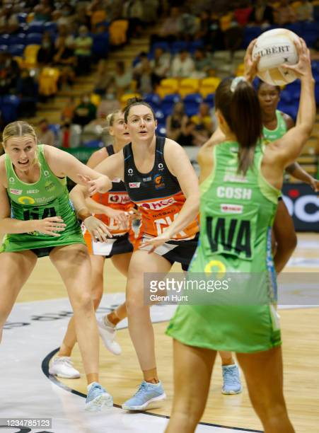 Sasha Glasgow of the Fever and Sam Poolman of the Giants battle for position during the Preliminary Final Super Netball match between the GWS Giants...