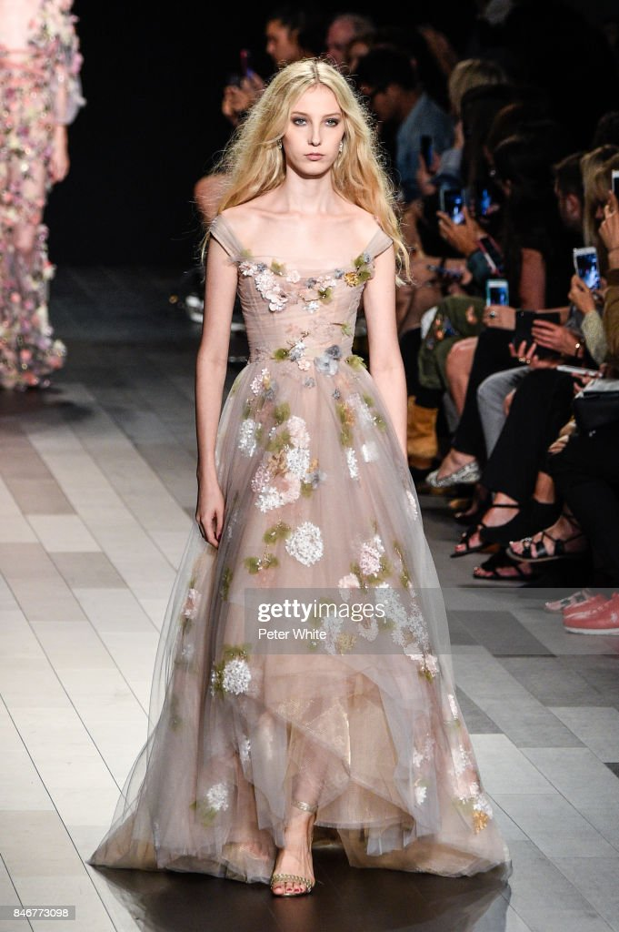 Marchesa - Runway - September 2017 - New York Fashion Week: The Shows : News Photo