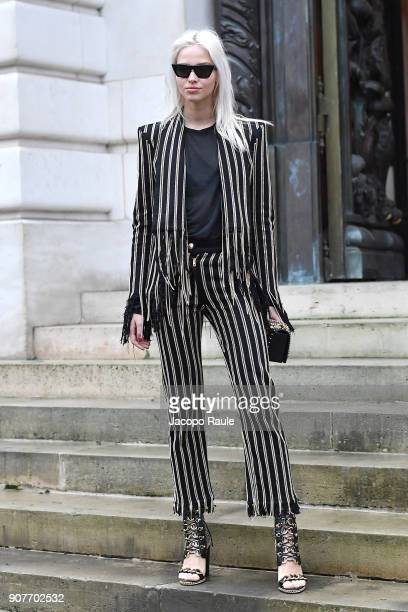 Sasha Luss arrives at Balmain Homme Menswear Fall/Winter 20182019 show as part of Paris Fashion Week on January 20 2018 in Paris France