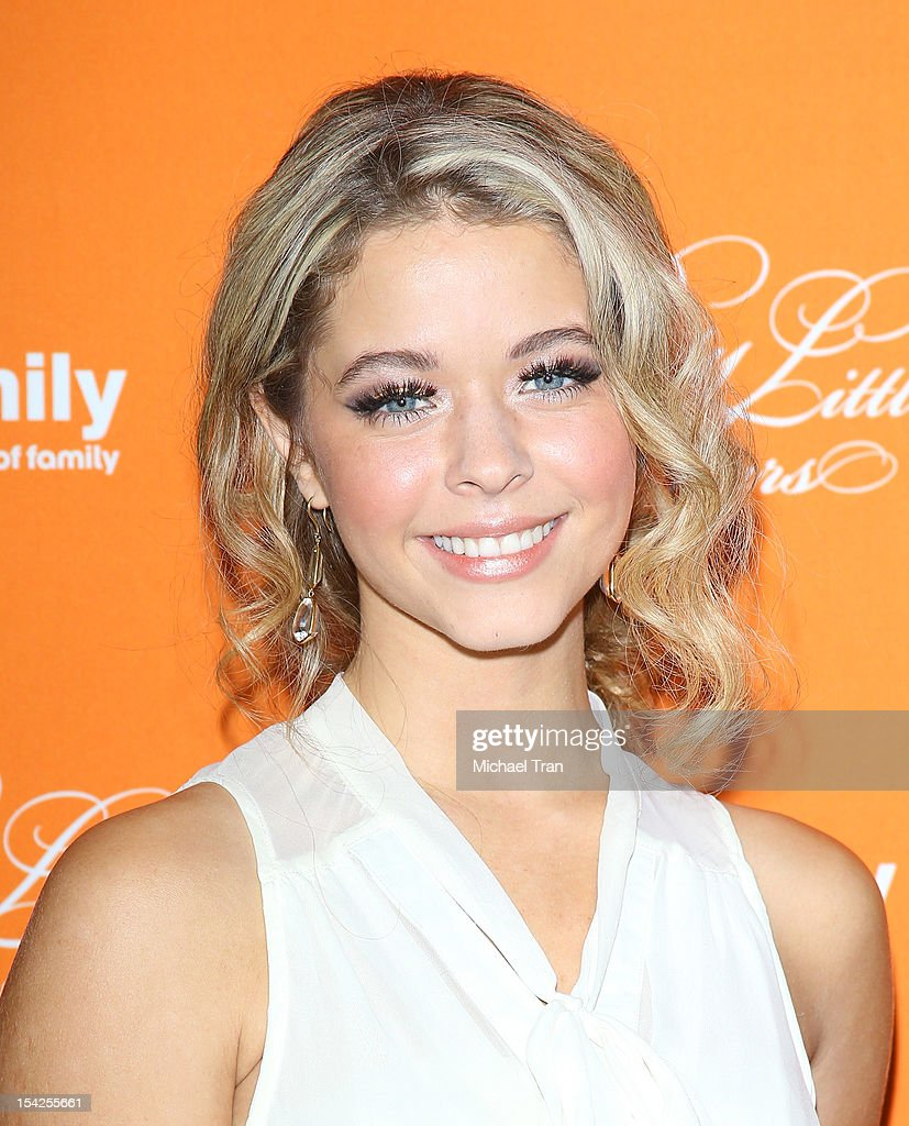 Sasha pieterse arrives at the pretty little liars halloween episode picture id154255661 sasha pieterse arrives at the pretty little liars halloween episode premiere held at hollywood thecheapjerseys Image collections