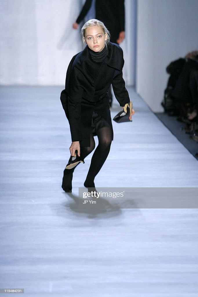 Mercedes-Benz Fashion Week Fall 2007 - Ports 1961 - Runway
