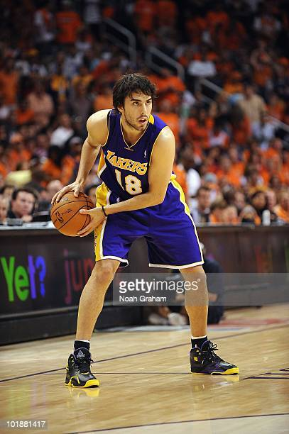 Sasha Vujacic of the Los Angeles Lakers posts up against the Phoenix Suns  in Game Six 7482f4b69