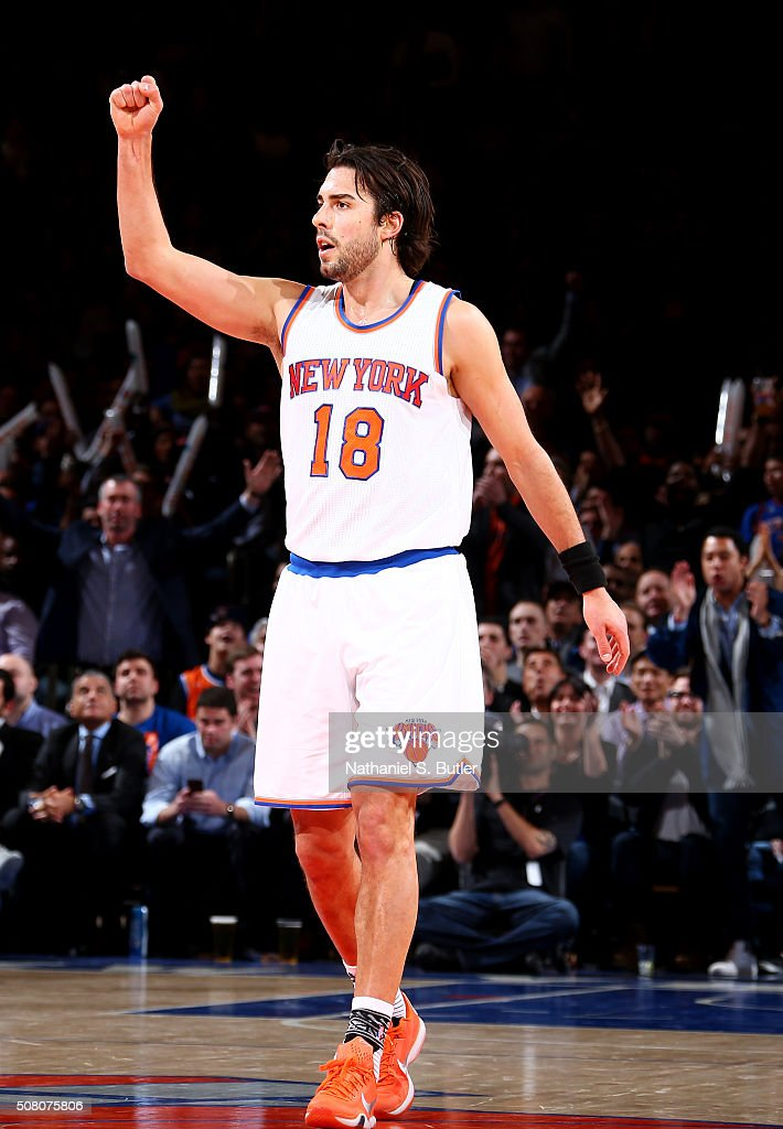 c2ab4944ba3 Sasha Vujacic of the New York Knicks calls out a play against the ...