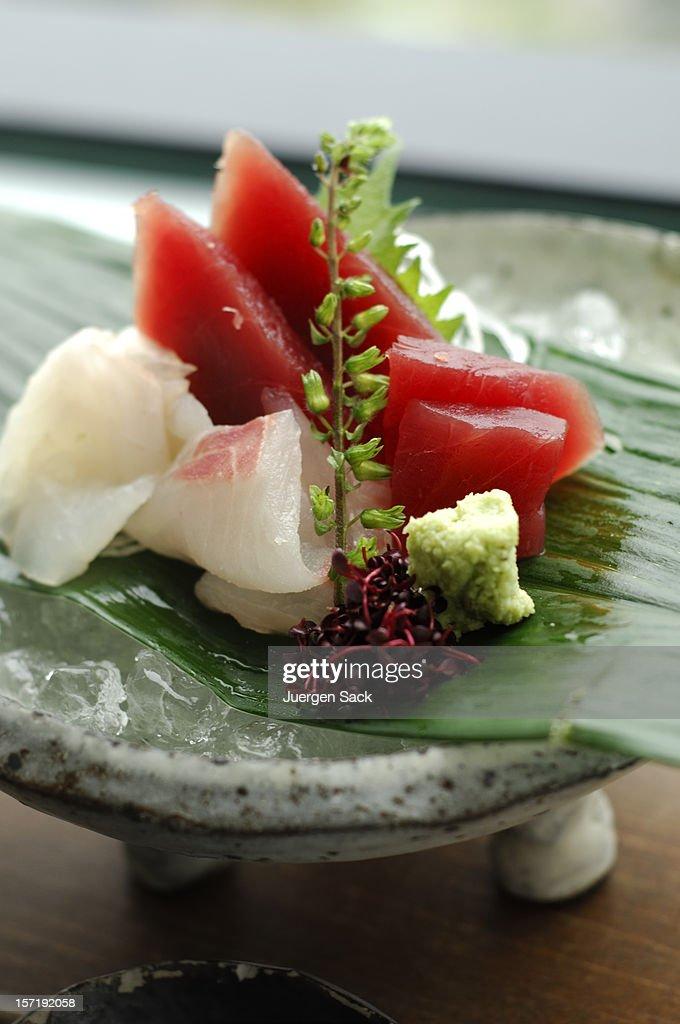 Sashimi sobre hielo : Foto de stock