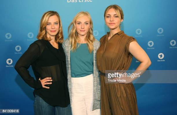 Saskia Rosendahl, Elisa Schlott and Johanna Ingelfinger during the Photo Call of the ARD TV Program 'Das Verschwinden' on August 31, 2017 in Hamburg,...
