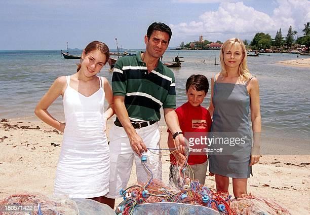 Saskia Valencia Ehemann Nicolas Tochter Alexandra Sohn Leonard Koh Samui/Thailand Urlaub Meer See Fischernetz Netz