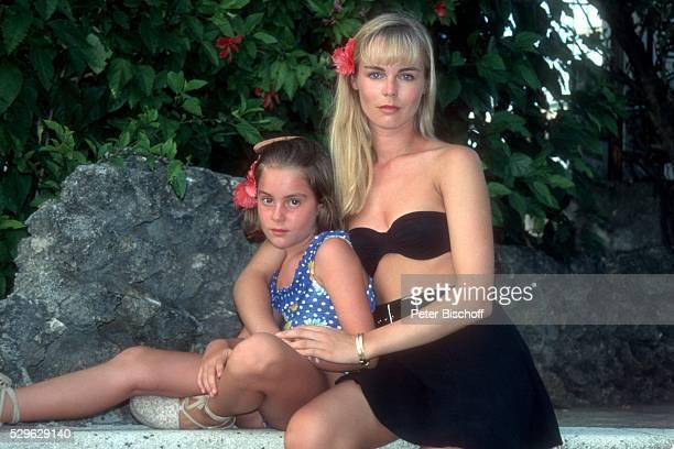 Saskia Valencia Tochter Alexandra Valencia Urlaub am in San Andres Kolumbien