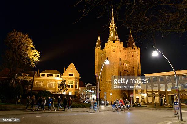 "sassenpoort in zwolle at night - ""sjoerd van der wal"" stock pictures, royalty-free photos & images"
