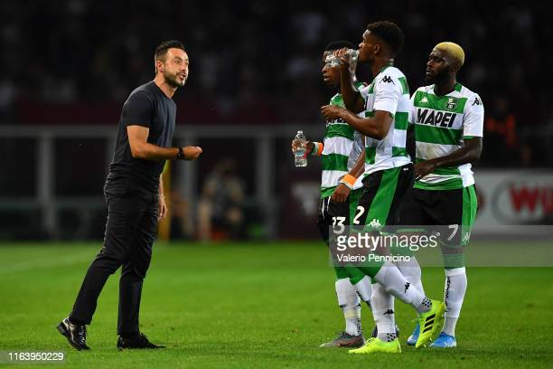 Sassuolo head coach Roberto De Zerbi issues instructions to his players during the Serie A match between Torino FC and US Sassuolo at Stadio Olimpico...