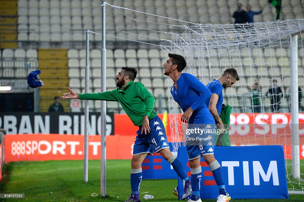 US Sassuolo players celebrate victory with fans after the Serie A match between Carpi FC and US Sassuolo Calcio at Alberto Braglia Stadium on April 2, 2016 in Modena, Italy.