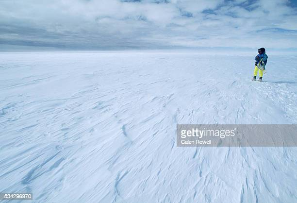 sastrugas on the weddell sea - weddell sea - fotografias e filmes do acervo