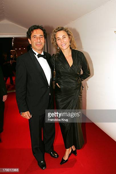 Sat1 chief Roger Schawinski and wife Gabriella Sontheim In the aftershow party for media prize Bambi in Hamburg