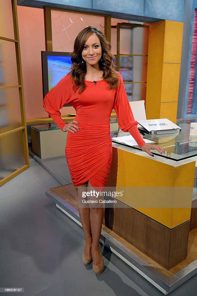 Satcha Pretto appears on the set of Univisions 'Despierta America' at Univision Headquarters on October 30, 2013 in Miami, Florida.