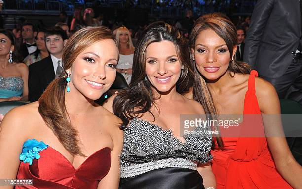 Satcha Pretto Barbara Bermudo and Ilia Calderon attend the Premio Lo Nuestro at Bank United Center on MArch 26 2009 in Coral Gables Florida
