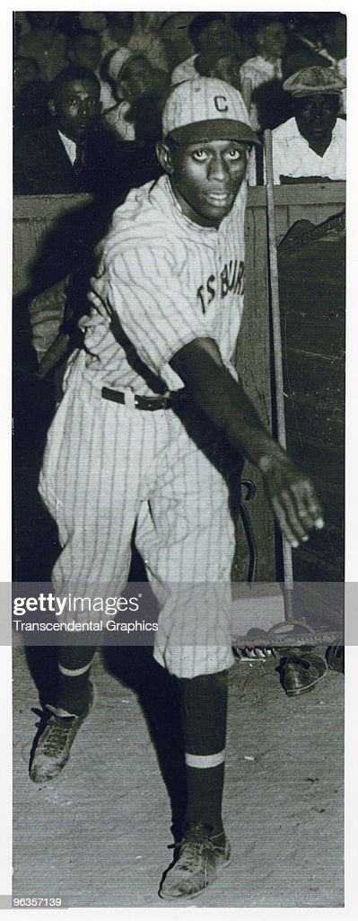Satchel Paige Pittsburgh Crawfords : News Photo