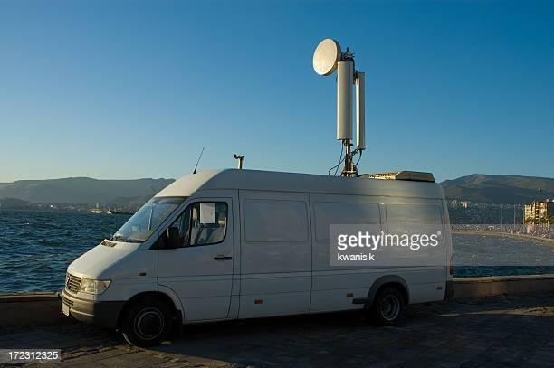 satellite car
