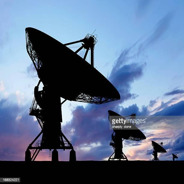 XXXL Satellitenschüssel silhouette