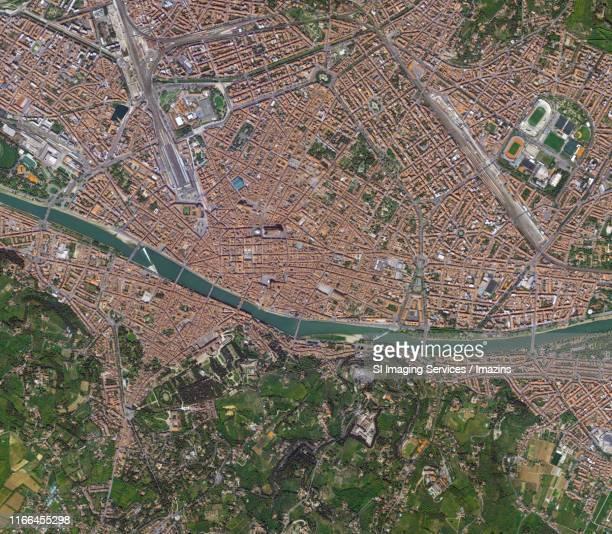 satellite view of firenze, italia - italia stock-fotos und bilder