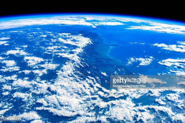 satellite view of new zealand, point of view from the iss - 宇宙ステーション ストックフォトと画像