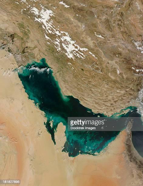 satellite view of the persian gulf. - paisajes de emiratos arabes fotografías e imágenes de stock