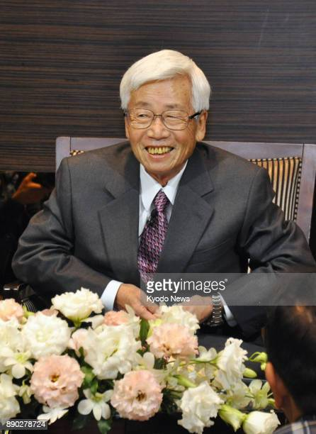 Satoru Anzaki a former president of machinery manufacturer Komatsu Ltd who has announced his decision not to receive treatment for his hardtotreat...