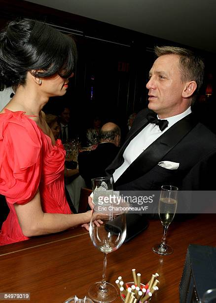 Satsuki Mitchell and actor Daniel Craig attend the 2009 Vanity Fair Oscar party hosted by Graydon Carter at the Sunset Tower Hotel on February 22...