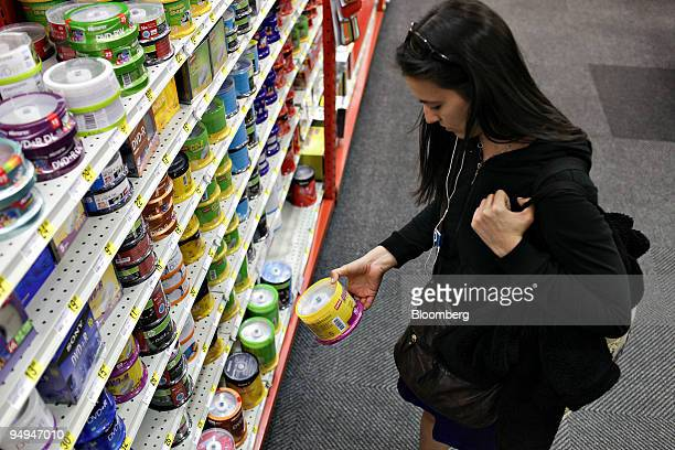 Satu Rautaharju shops for DVDR's inside a Staples store in New York US on Tuesday May 26 2009 Staples is expected to report quarterly earnings on May...