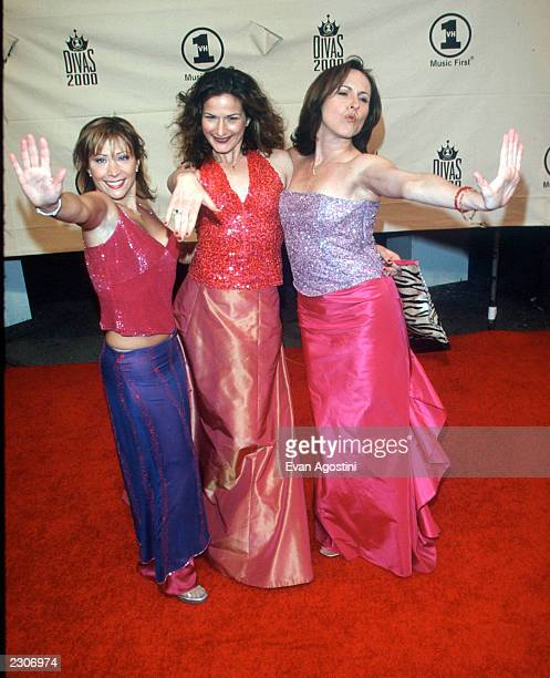 Saturday Night Live ladies: Cheri Oteri, Ana Gasteyer & Molly Shannon at 'VH-1 Divas 2000: A Tribute To Diana Ross' at Madison Square Garden. New...