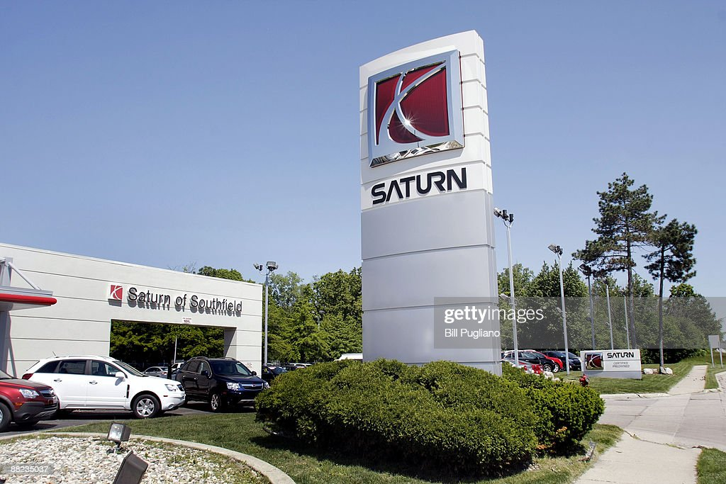 GM Sells Saturn Brand To Penske Automotive Group : News Photo