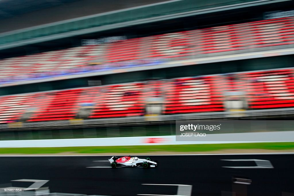 Sauber F1 Team's Swedish driver Marcus Ericsson drives at the Circuit de Catalunya on March 1, 2018 in Montmelo on the outskirts of Barcelona during the fourth day of the first week of tests for the Formula One Grand Prix season. / AFP PHOTO / Josep LAGO