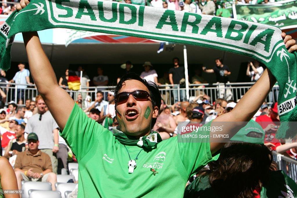 Soccer - 2006 FIFA World Cup Germany - Group H - Tunisia v Saudi Arabia - Allianz Arena : News Photo