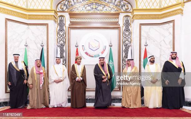 Saudi Arabian King Salman bin Abdulaziz al-Saud poses for a family photo with Emir of Dubai Sheikh Mohammed bin Rashid Al Maktoum , Crown Prince of...