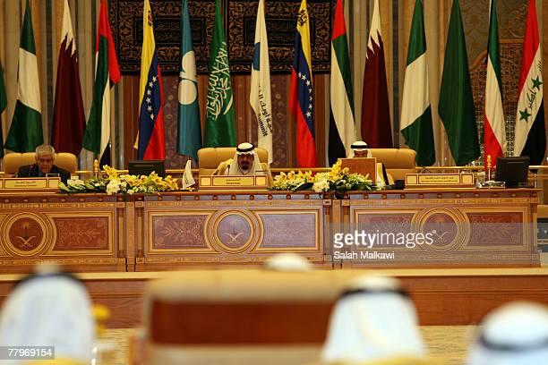 Saudi King Abdullah addresses the assembled delegates at the closing of the Third OPEC Summit November 18 2007 in Riyadh Saudi Arabia Iranian...
