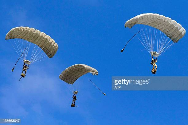 Saudi para troopers take part in a military demonstration of French and Saudian special forces on October 8 2012 at the Solenzara's military base AFP...