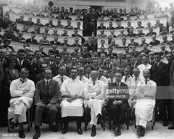 Sauerbruch Ferdinand *03071875 Physician Germany alongside German and Spanish physicians front row from the right Professor Schmidt Lozano Sauerbruch...