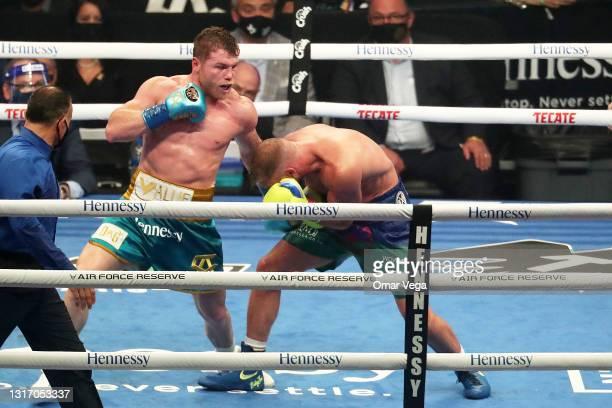 Saul Canelo Alvarez and Billy Joe Saunders fight during WBC, WBA Super, WBO and Ring Magazine World Super-Middleweight unificationat AT&T Stadium on...