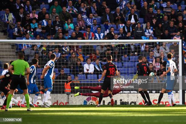 Saul Niguez of Atletico de Madrid scores his team's first goal during the Liga match between RCD Espanyol and Club Atletico de Madrid at RCDE Stadium...