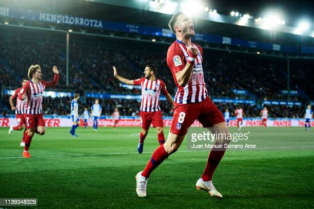 Saul Niguez of Atletico Madrid celebrates after scoring goal during the La Liga match between Deportivo Alaves and Club Atletico de Madrid at Estadio...
