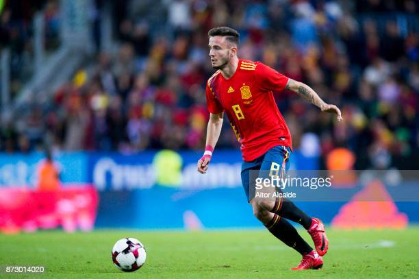 Saul Niguez of Spain controls the ball during the international friendly match between Spain and Costa Rica at La Rosaleda Stadium on November 11...