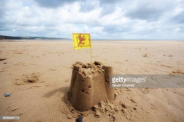 saundersfoot sandcastle - simon crockett stock pictures, royalty-free photos & images