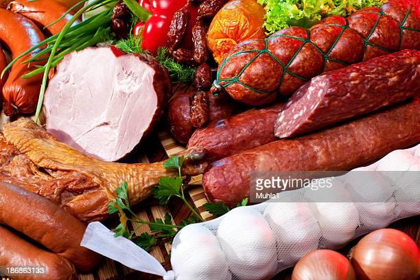 Würstchen und Gemüse