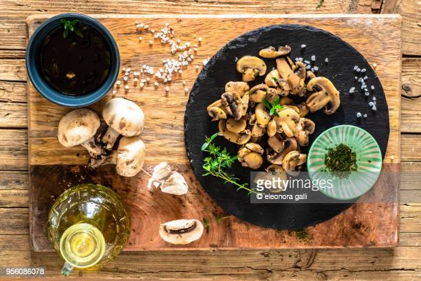 sautéed mushrooms - edible mushroom stock pictures, royalty-free photos & images