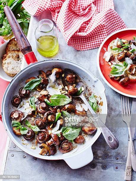 Sauteed mushrooms with basil pesto