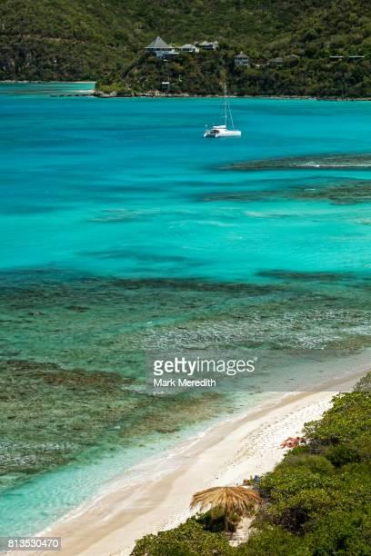 savannah bay and pond bay, virgin gorda, british virgin islands - islas de virgin gorda fotografías e imágenes de stock