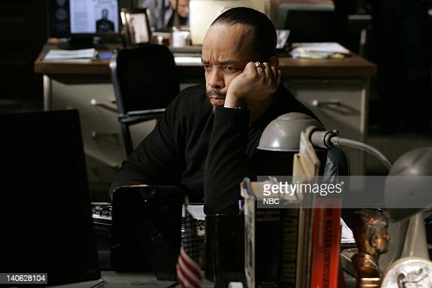 """Savant"""" Episode 904 -- Pictured: Ice-T as Detective Odafin """"Fin"""" Tutuola -- Photo by: Will Hart/NBC/NBCU Photo Bank"""