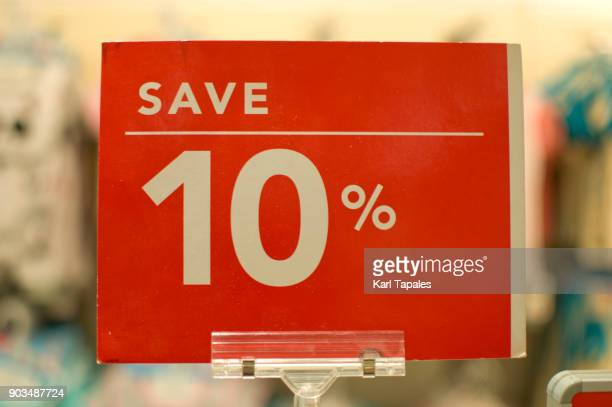 save ten percent red sign board - prezzo messaggio foto e immagini stock