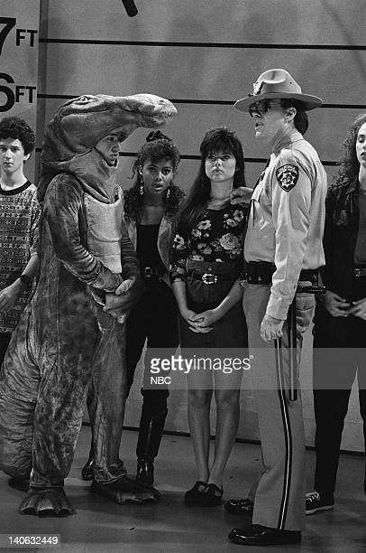 BELL Save That Tiger Episode 16 Air Date Pictured Dustin Diamond as Screech Powers Mario Lopez as AC Slater Lark Voorhies as Lisa Turtle Tiffani...