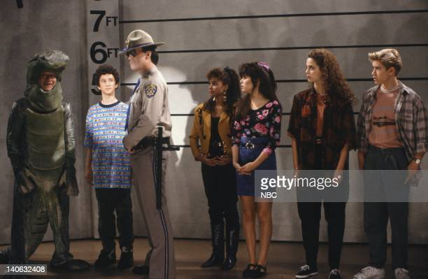 BELL Save That Tiger Episode 16 Air Date Pictured Mario Lopez as AC Slater Dustin Diamond as Screech Powers Dennis Haskins as Mr Richard Belding Lark...