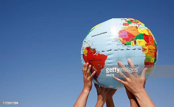 地球の保存 - ビーチボール ストックフォトと画像