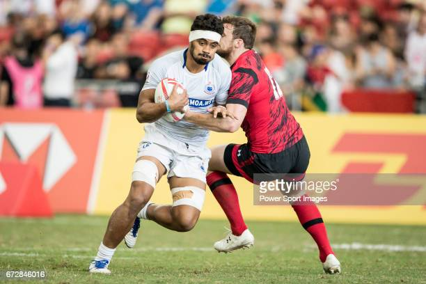 Savelio Ropati of Samoa runs with the ball during the match Wales vs Samoa Day 2 of the HSBC Singapore Rugby Sevens as part of the World Rugby HSBC...